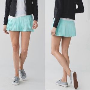 Lululemon Pleat to Street Tennis Skirt - sz 4